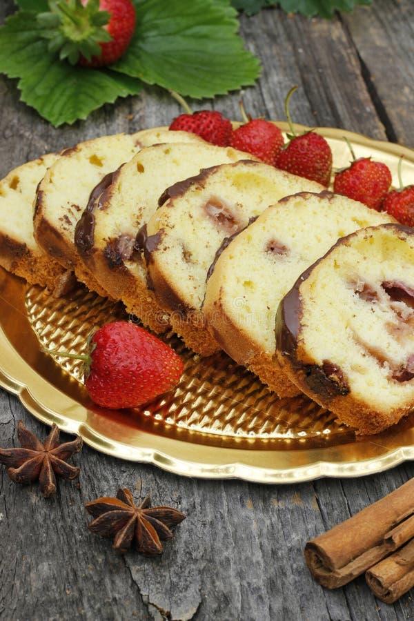 Nachtisch mit Erdbeeren lizenzfreie stockbilder