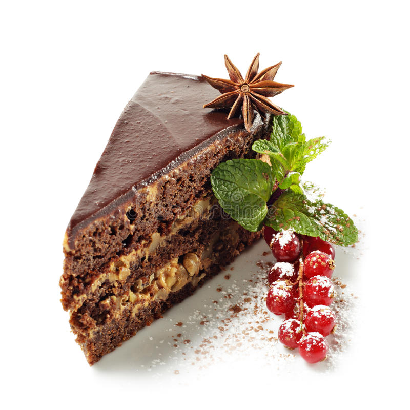 Nachtisch - Schokoladen-Torte mit frischen Beeren lizenzfreie stockfotos