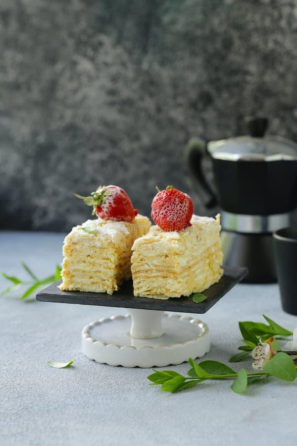 Nachtischkuchen Napoleon lizenzfreie stockfotos