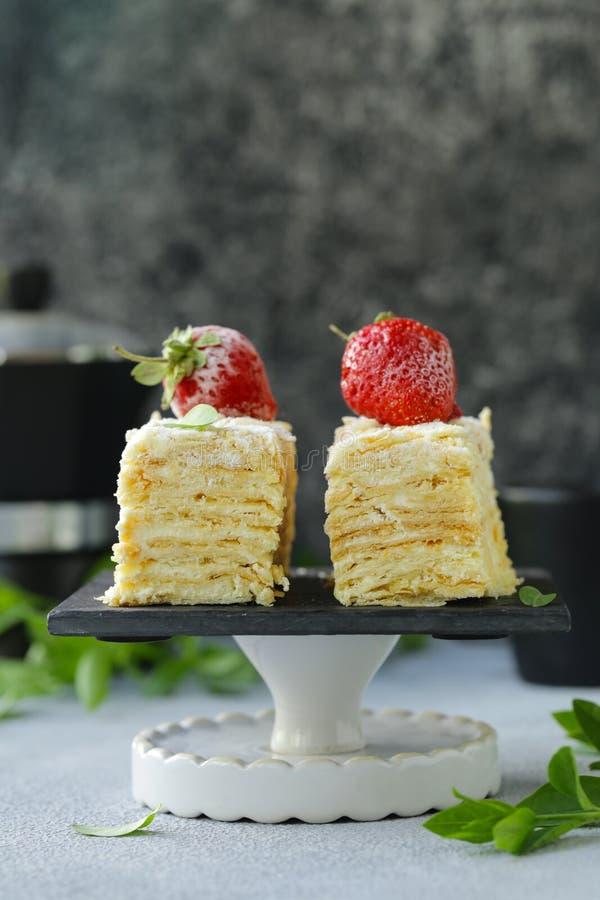 Nachtischkuchen Napoleon lizenzfreies stockbild