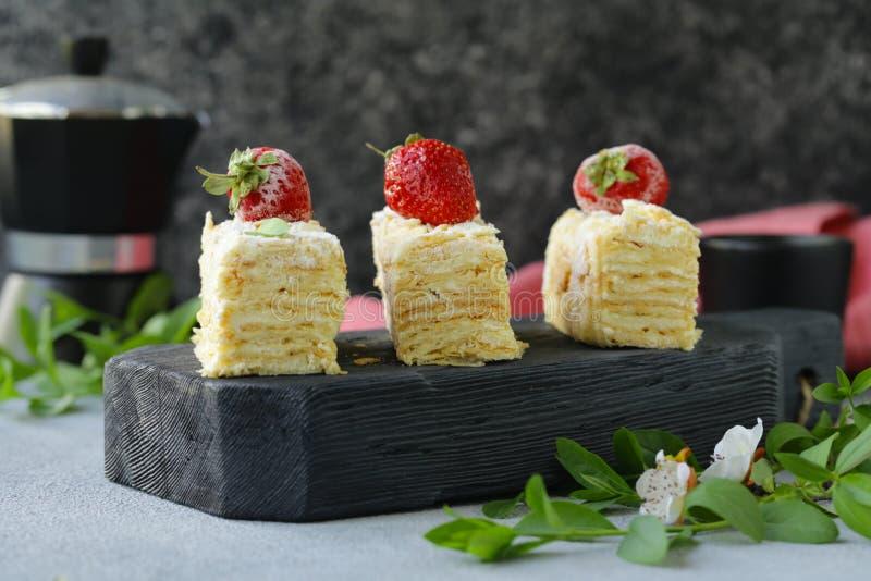 Nachtischkuchen Napoleon lizenzfreie stockfotografie