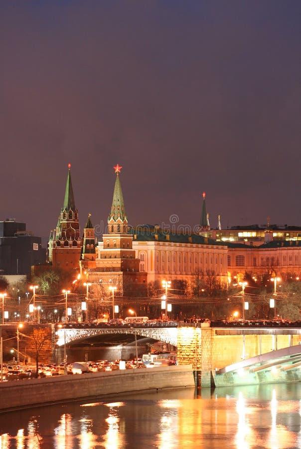 Nachtlandschaft der Kreml stockfotos