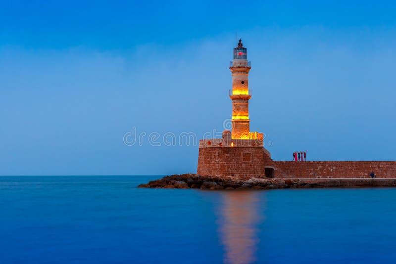 Nachtleuchtturm im alten Hafen, Chania, Kreta stockfotografie