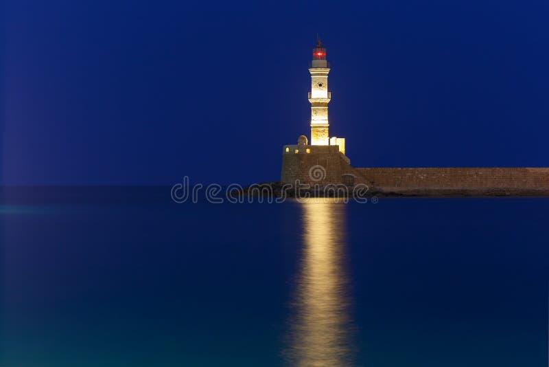 Nachtleuchtturm im alten Hafen, Chania, Kreta stockbilder