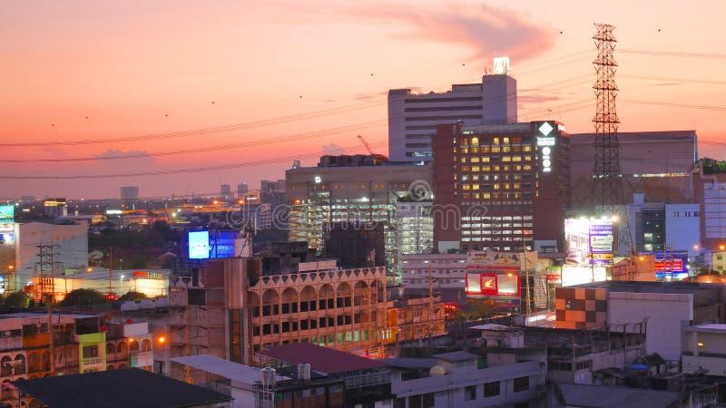 Nachtlicht in Bangkok Thailand stock foto's