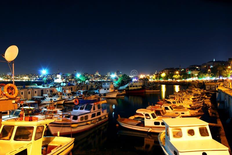 Nachtlichten Op Boten Stock Afbeeldingen