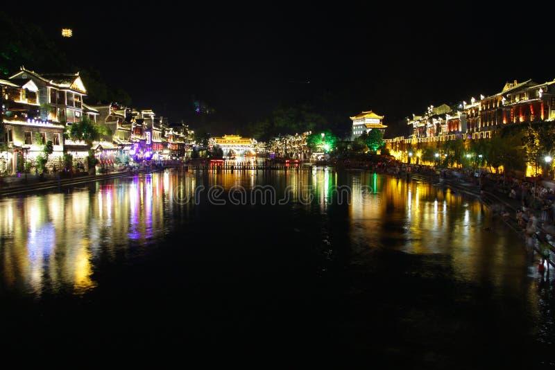 Nachtmening Fenghuang, de provincie van Hunan, China royalty-vrije stock afbeelding