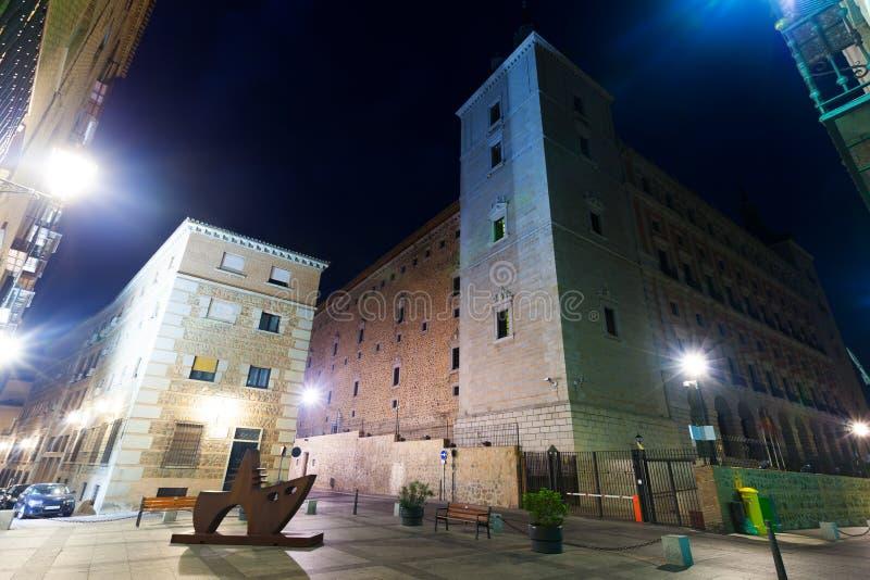 Nachtmening van Alcazar van Toledo stock foto's