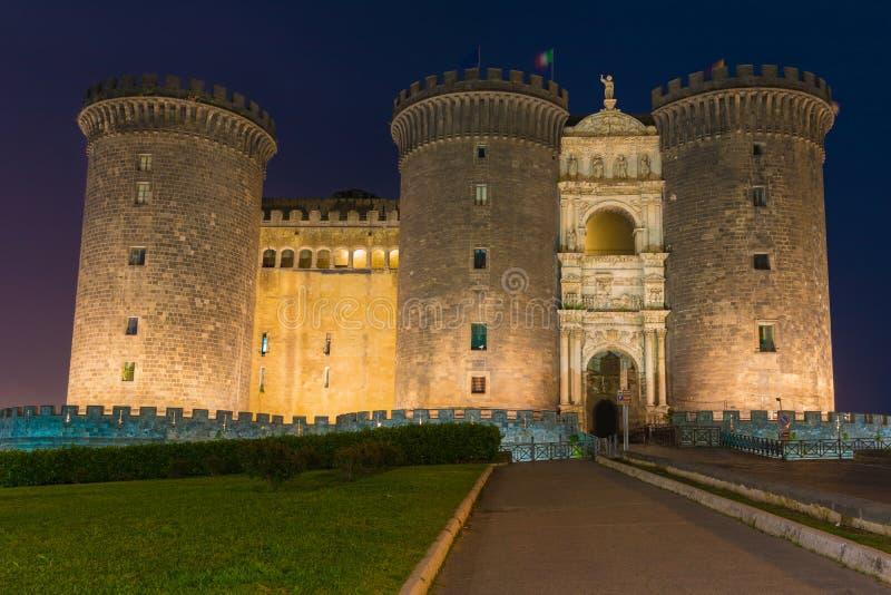 Nachtmening van Castel Nuovo in Napels, Italië royalty-vrije stock afbeeldingen