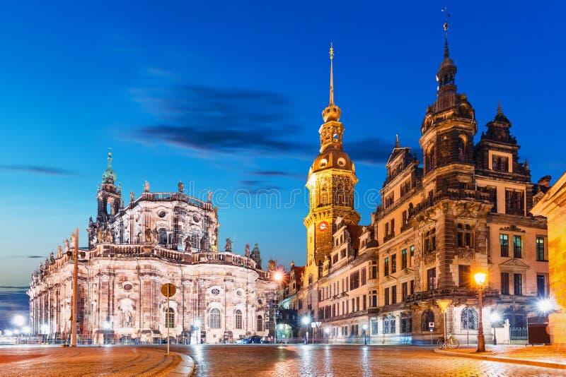 Nachtmening van de Oude Stad van Dresden, Duitsland royalty-vrije stock foto's