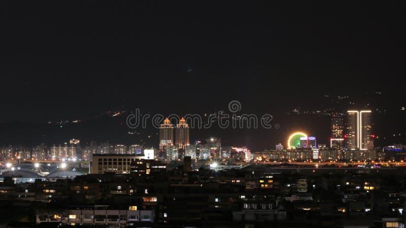 Nachtmening van de Stad van Taipeh stock foto's
