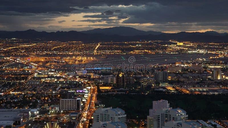 Nachtmening van de Stratosfeertoren in Las Vegas, Nevada royalty-vrije stock foto's