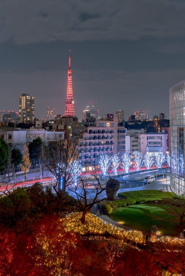 Nachtmening van de Toren van Tokyo, moderne het oriëntatiepunttoren van A in Tokyo, Japan royalty-vrije stock foto