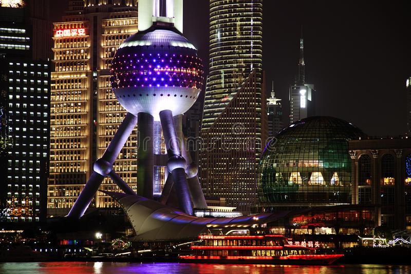 Nachtmening van de van de lujiazuifinanciën en handel van Shanghai streekhorizon stock fotografie