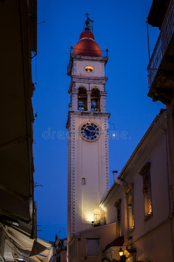 Nachtmening van een kerk in het eiland van Korfu, Griekenland stock foto's