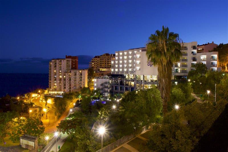 Nachtmening van Funchal, Madera stock fotografie
