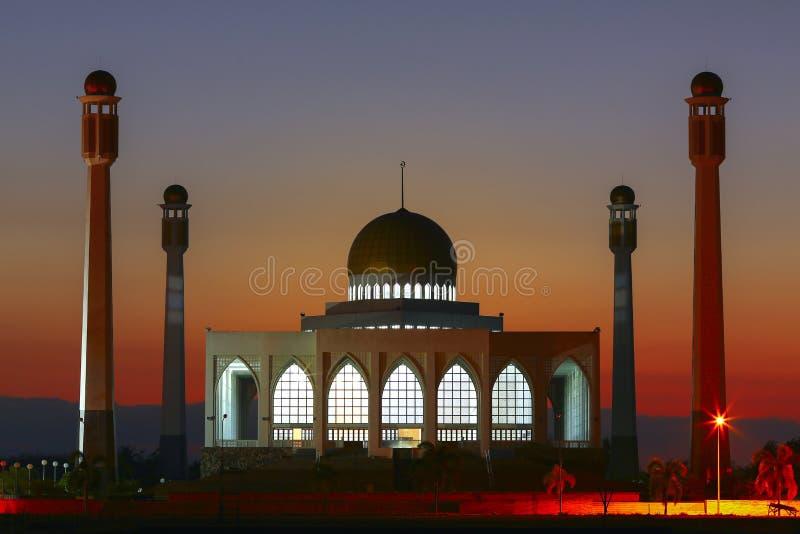 Nachtmening van moskee, Thailand 2 royalty-vrije stock foto's