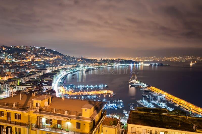 Nachtmening van Napels van Posillipo stock fotografie