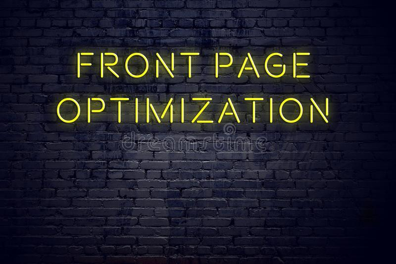 Nachtmening van neonteken met optimalisering van de inschrijvings de voorpagina royalty-vrije illustratie