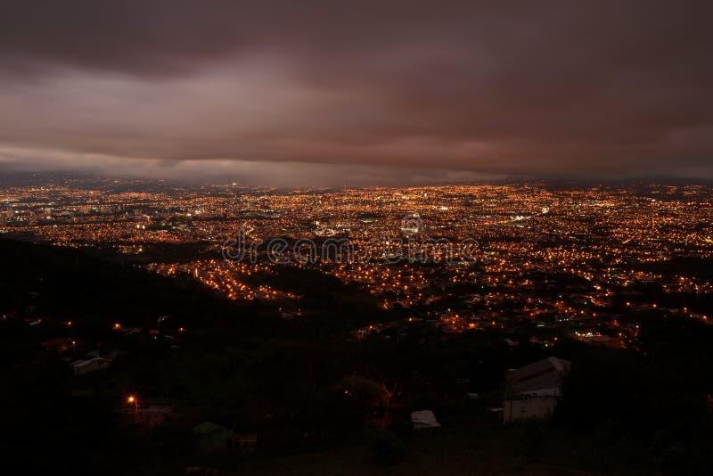Nachtmening van San Jose van het opgeheven uitzichtpunt royalty-vrije stock foto