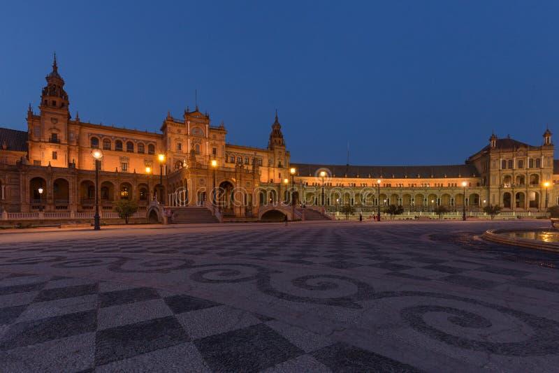 Nachtmening van Spaanse vierkante Plaza DE Espana in Sevilla, Andalusia, Spanje royalty-vrije stock foto