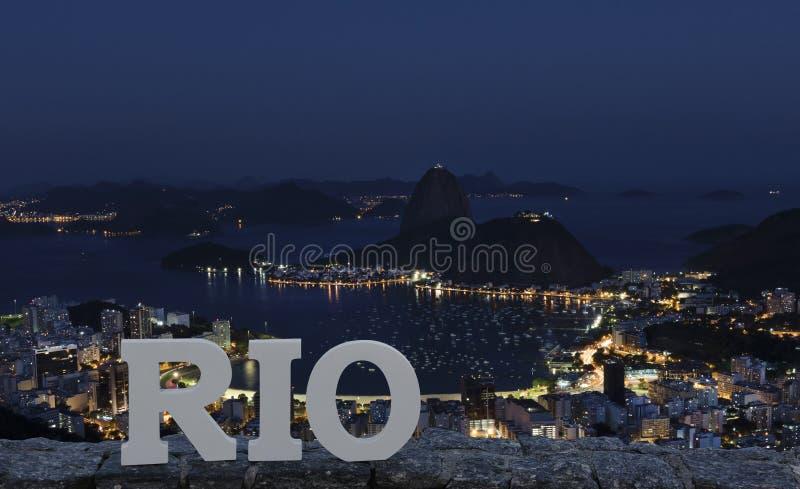 Nachtmening van Sugar Loaf Mountain, Rio de Janeiro, Brazilië royalty-vrije stock fotografie