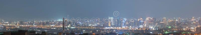 Nachtmening van Taichung-stad royalty-vrije stock foto's