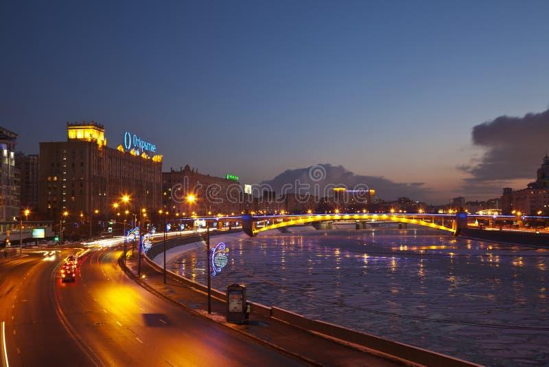 Nachtmeningen van de winter Moskou royalty-vrije stock fotografie