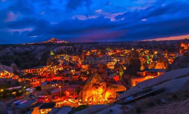 Nachtminarett Goreme, Landschaft Cappadocia, lizenzfreies stockbild