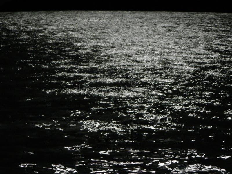 Nachtoverzees stock fotografie