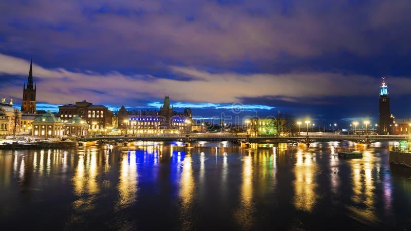 Nachtpanorama van Stockholm, Zweden royalty-vrije stock foto's