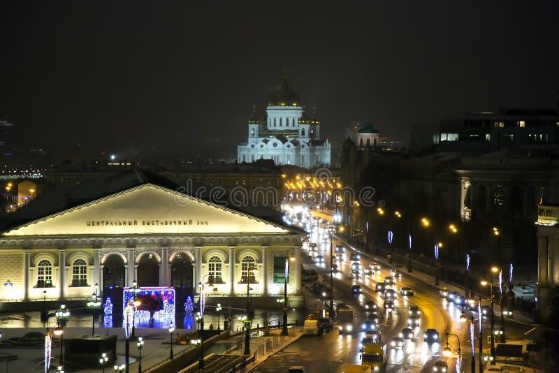 Nachtpanorama von Manege-Quadrat und von Tempel von Christus des Retters stockfoto