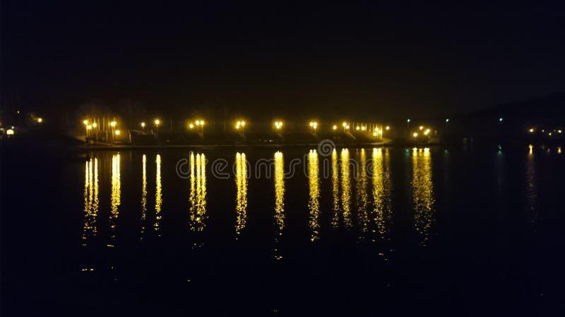 nachtrivier in Polen stock fotografie