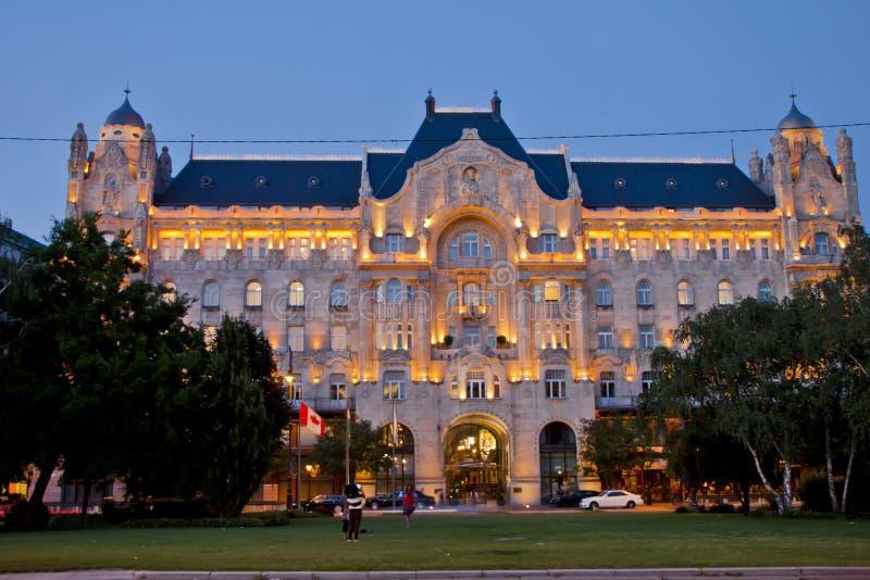 Nachtscène in Boedapest, Hongarije royalty-vrije stock afbeelding