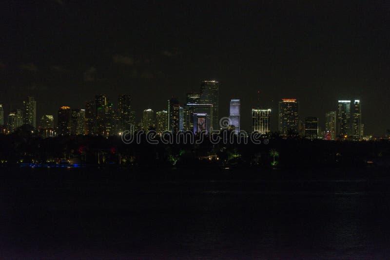 Nachtschönes Miami-Stadtbild stockbild