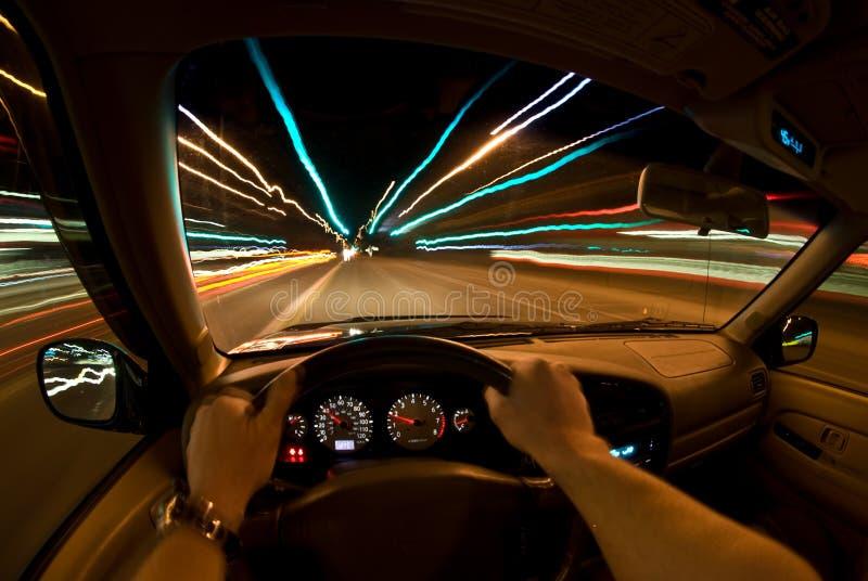 Nachtschnellfahren lizenzfreie stockfotografie