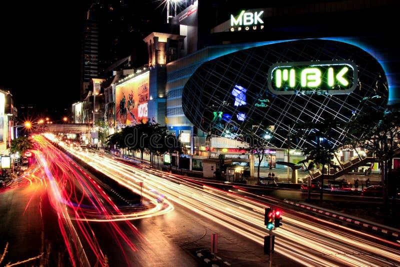 Nachtskyline von Bangkok lizenzfreie stockfotos