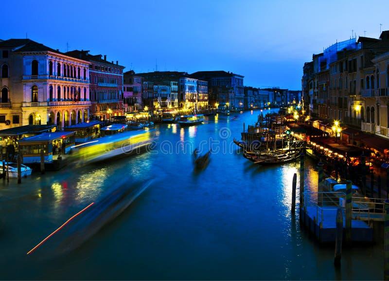 Nachtstück des großartigen Kanals stockfoto