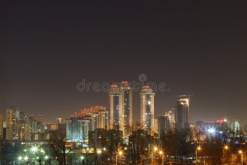 Nachtstad, nacht Moskou royalty-vrije stock afbeelding