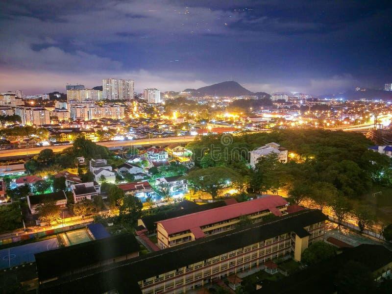 Nachtstadtbild, Hall lizenzfreie stockbilder