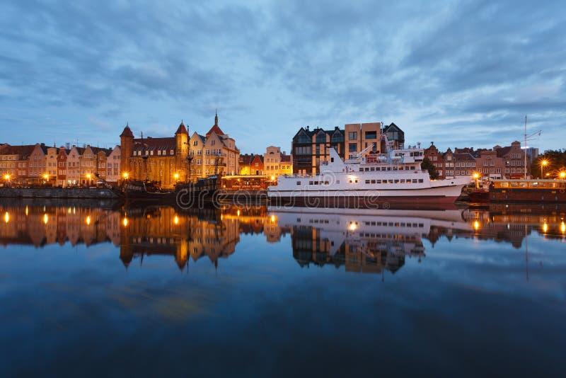 Download Nachtstadtbild von Gdansk stockbild. Bild von landschaft - 96930451