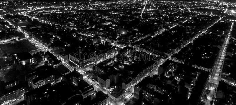 Nachtstadtgitter stockfoto
