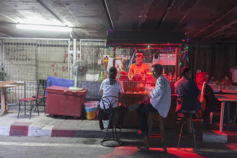 Nachtstall in Bangkok stockfoto