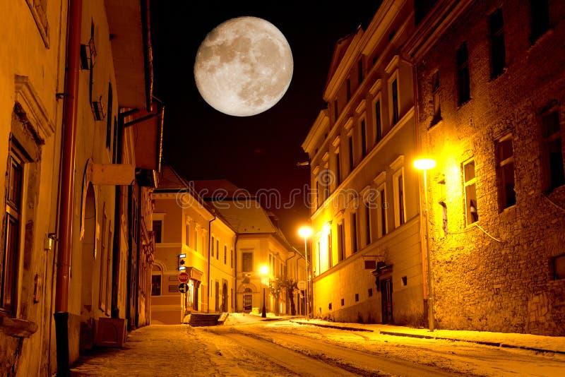 Nachtszene in der alten Stadt stockfoto