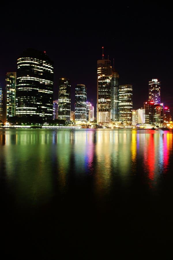 Nachtszene der Brisbane-Stadt, Queensland stockfotos