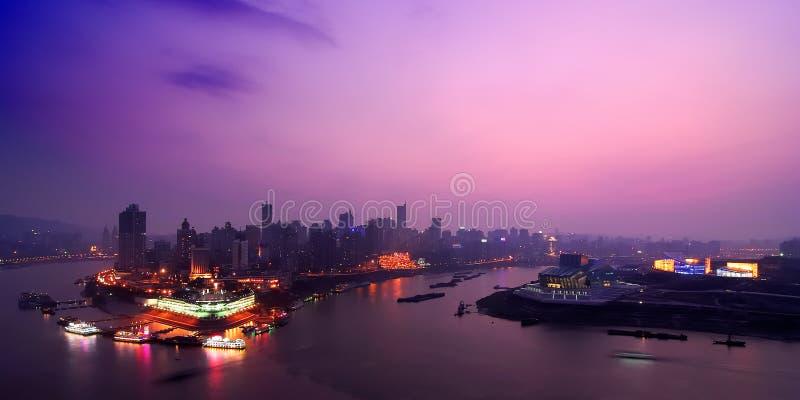 Nachtszene des Chongqing-Kanals stockfoto