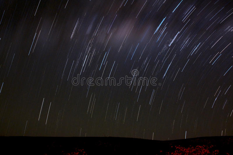 Nachtszene - Sternbewegung, langer Berührungsschuß stockfoto