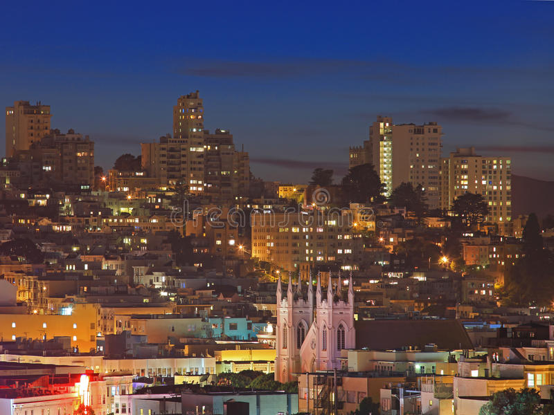 Nachtszene von Nob Hill in San Francisco stockfotografie