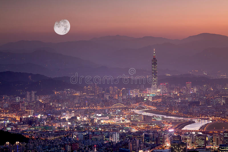 Nachtszenen der Taipei-Stadt, Taiwan lizenzfreies stockbild