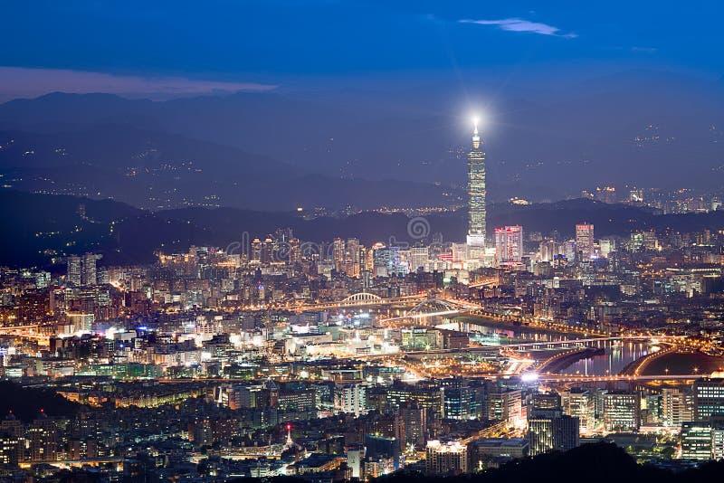 Nachtszenen der Taipei-Stadt, Taiwan für BG-Gebrauch stockfotografie